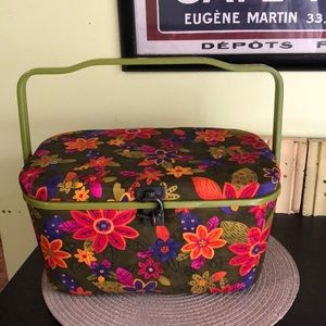 Vintage style sewing box